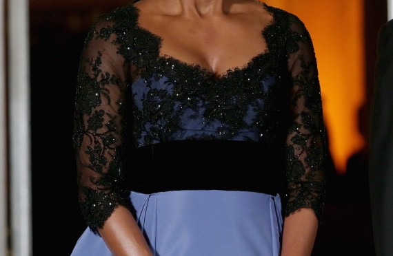 Michelle Obama State Dinner 2014: FLOTUS Stuns In Powder Blue Carolina Herrera (PHOTOS)
